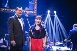 Zahájení slavnostního večera v podání operních hvězd: sopranistky Aleny Miro a tenora Otokara Kleina